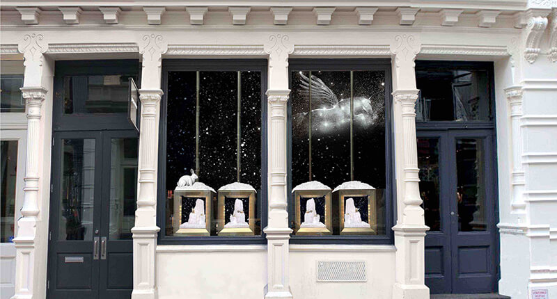 A photograph of David Yurman's 'Star Dreaming' holiday window display. Image credit: David Yurman